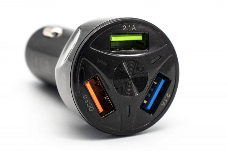 Háromportos szivargyújtós USB töltő 4